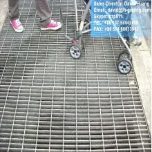 Grille métallique galvanisée, grille de sécurité galvanisée, grille galvanisée de forge électrique