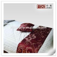 Lit de lit lit drapeau queue serviette
