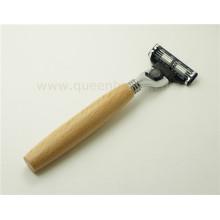 Lidar com madeira lâmina de barbear para o homem