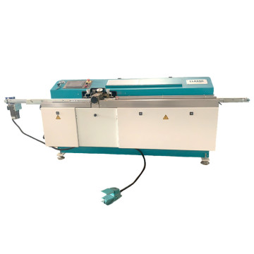 Butyl sealant coating machine for insulating glass