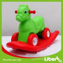 Kinder spielen Ausrüstung der Fahrt auf Spielzeug LE.YM.048