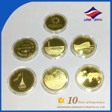 Monedas de alta calidad de la fábrica con la galjanoplastia de oro de la caja plástica