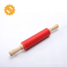 Аксессуары для домашней кухни силиконовая скалка с деревянной ручкой