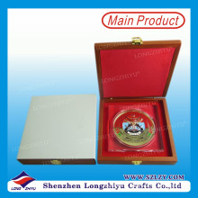 Monnaie à la mode en émail émaillée Monnaie personnalisée avec boîte en bois