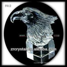 Tête d'aigle sculptée à la main en cristal K9