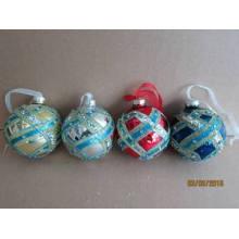 Bola de desenho de cor de vidro para a decoração de Natal
