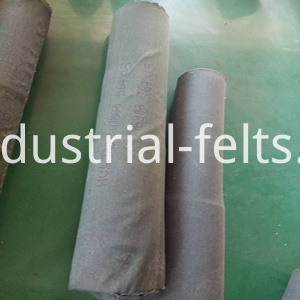 Packaging of linear screen cloth