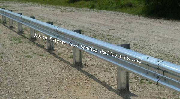 3 wave Steel W Beam Highway Guardrail Roll Forming Machine