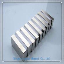 Sur mesure 160 * 55 * 40 bloc aimant en néodyme avec l'électrodéposition de Zinc