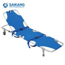 Maca da emergência do salvamento da ambulância da facilidade de primeiros socorros da SKB1A05