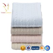 Couverture colorée de bébé de cachemire tricotée de luxe de câble