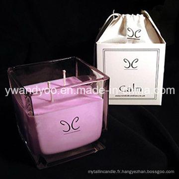 Bougies de cadeau de mariage parfumées de soja dans une belle boîte