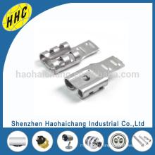 Connecteurs de bornes de câbles électriques automatiques