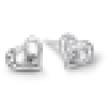 Women′s Heart-Shaped Diamond Stud Earrings