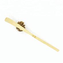 Colher de bambu branco feito à mão (Chashaku) para o pó do chá verde de Matcha