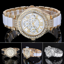 New Style Quartz Alloy Watch with Zircons for Ladies Bg340