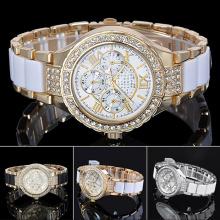 Novo estilo relógio de liga de quartzo com zircões para senhoras bg340