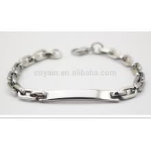 Bracelet en forme de marque en blanc avec petit fermoir de homard