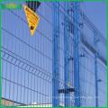 2016 haute demande China factory pvc enduit soudé treillis métallique clôture