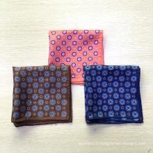 Vente en gros personnalisé imprimé à la main roulé poches en soie pour les hommes