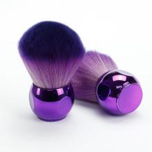 Escova kabuki com roxo encantador