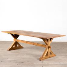 Mesa de jantar de madeira natural