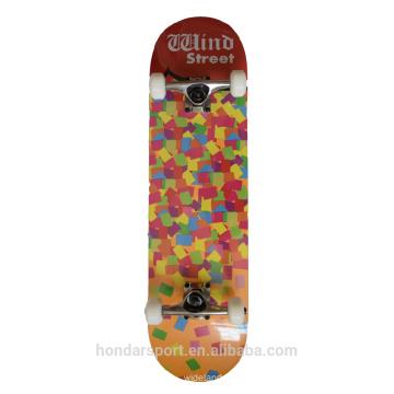 Günstige russische Ahorn Skateboarddecks Großhandel mit guter Qualität