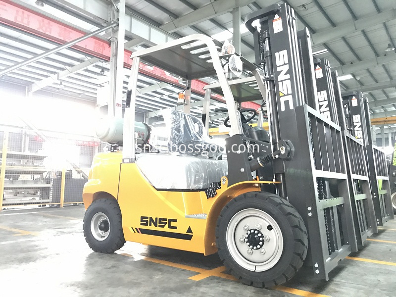 4pcs 3t gas forklift to MEXICO from sheri (8)