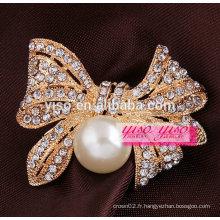 Broche en cristal de perle en corsage