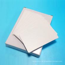 Die selbstklebenden Reinigungshüllen ACC 8486 mit Karten erneut übertragen
