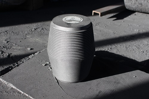 The insulated graphite crucible