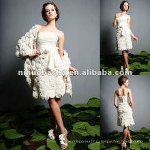 Цветки Распространяют Короткое Свадебное Платье