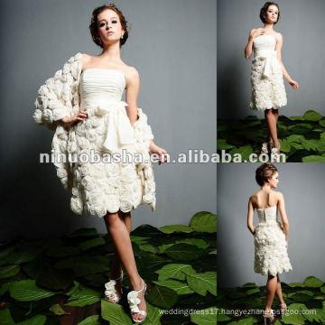 Flowers Spread Short Wedding Gown