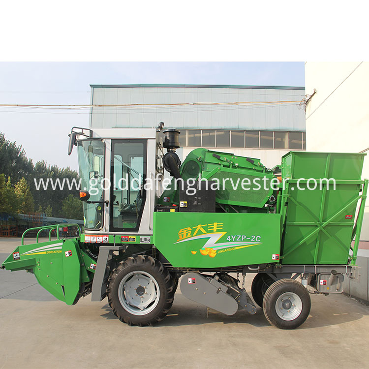 2 Rows Corn Maize Harvester 02 750 750