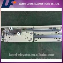 European Type Fermator Lift Landing Door Device / AC Seitenöffnung Two Panel Elevator Landing Door Hanger