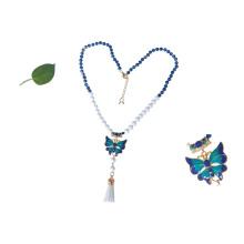 Handgemachte blaue Perlen 24 Karat vergoldete Emaille Schmetterling Anhänger Halskette