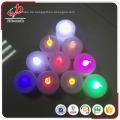 Schönes Weihnachtsdekoratives tealight führte Kerze