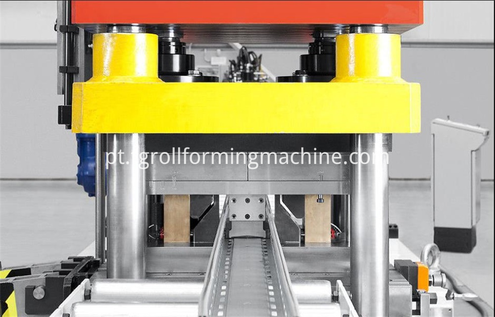 Wire Mesh Cable Tray Machine