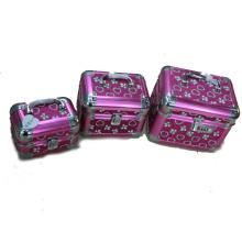 Estuche cosmético de aluminio rosa con asa