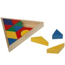 Деревянная треугольная доска