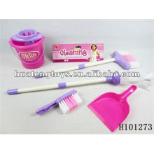new style plastic cleaning tool for girls with astm and en71 test H101273