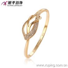 Модный имитатор ювелирных изделий 18k Gold-Plated Heart-Shaped Elegant Bangle