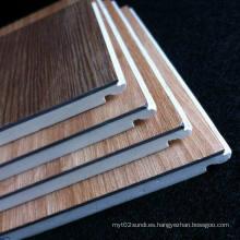 Suelo laminado de PVC fácilmente instalado Suelo laminado de madera laminada WPC Suelo de buena calidad