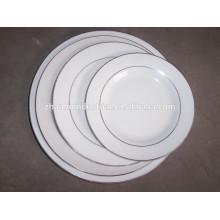 Китайская круглая плоская фарфоровая тарелка с золотым ободком