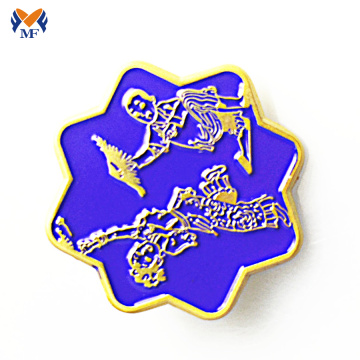 Nieuw design glitter metalen bloem emaille pin badge