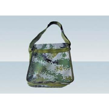 Military shoulder bag is convenient and convenient