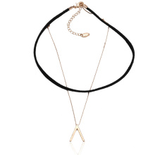 43613 Xuping bijoux de mode en or conception simple collier de couche de collier en cuivre et cuir