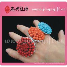 Anneau décoratif de pierres précieuses colorées à la main unique de bijoux culturels de ShangDian