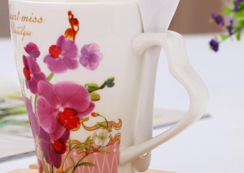 Creative flower design mug