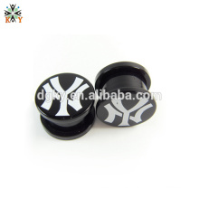Black Pattern Acrilico piercing enchufe joya del cuerpo del calibrador del oído